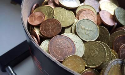 geld das man ausgibt muss man auch irgendwo verdienen