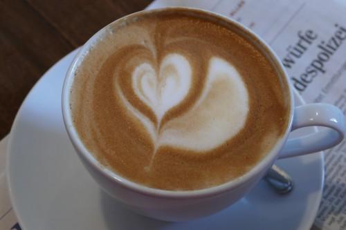 kaffee genießen bei Cem im Cafe