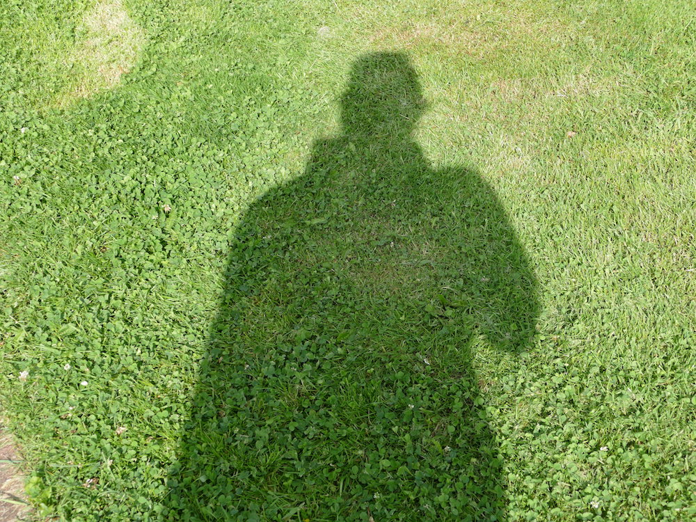 schatten umriss fotograf beim stadtbummel