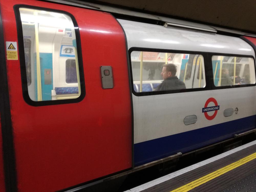 u-bahn zug in london